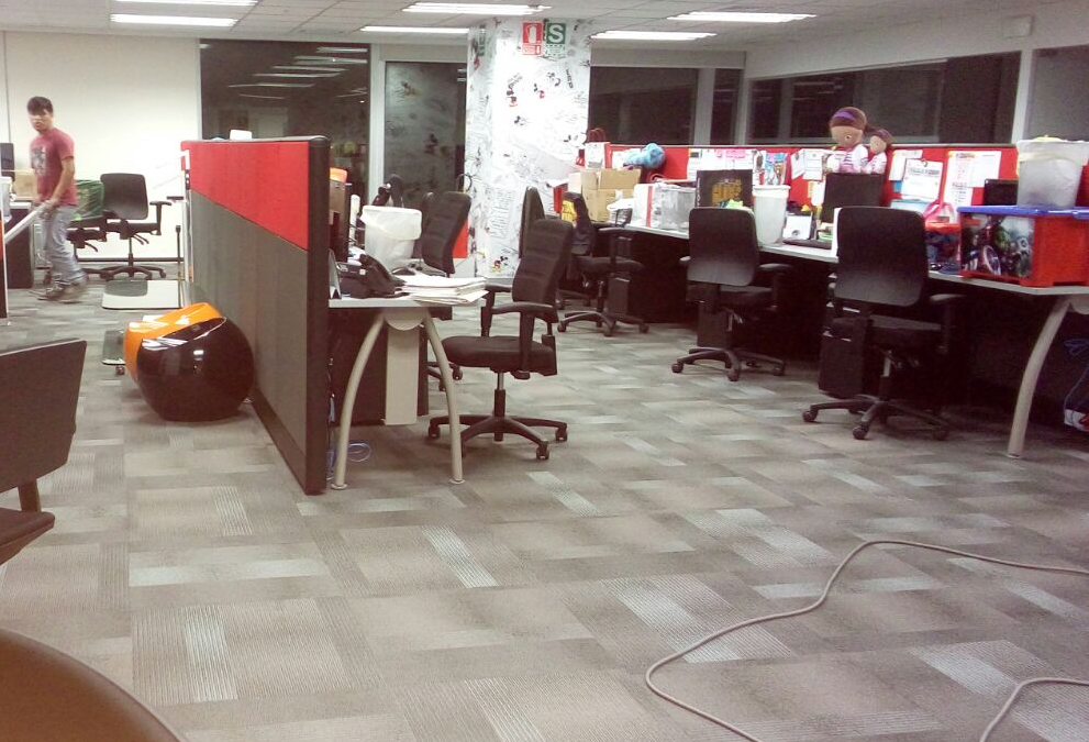 Limpieza de Alfombrado en Oficina – Distrito San Isidro